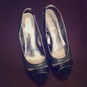 Black open toe heel. Leather & fabric.
